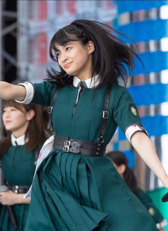 ダンスを踊る織田奈那