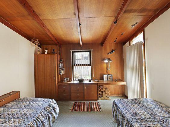 14 Sheridan St, Hamlyn Heights VIC   Modernist Australia