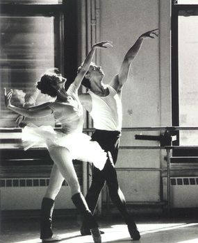 This is one of my favorite ballet pictures of all time. Beautiful moment captured of Julie Kent.