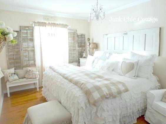Small Cottage Bedroom Ideas Cottage Bedroom Serene White Guest Cottage Bedroom Cottage In 2020 Guest Cottage Home Decor Small Cottage