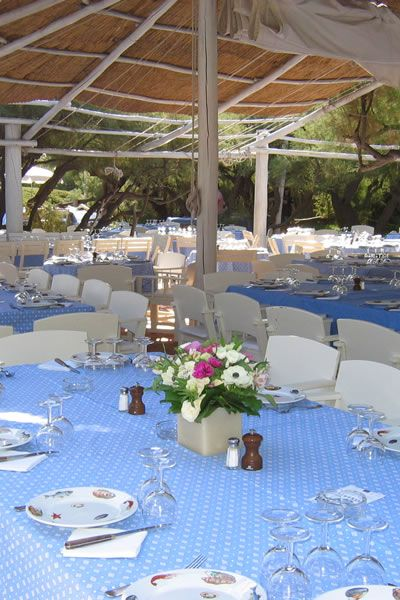 Le club 55 in st tropez lunch only book well ahead 2 00 pm seating white linen or - Club 55 st tropez ...