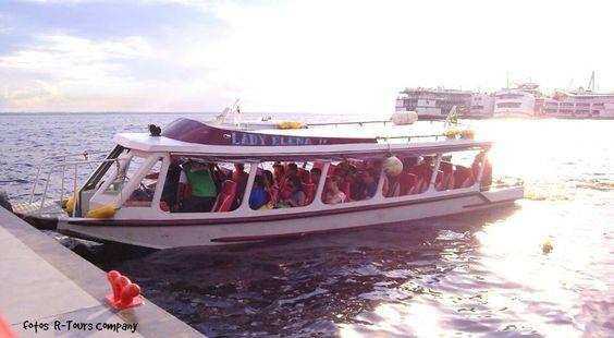 navegando entre  Río Amazonas y Río Negro fotos R-Tours Company