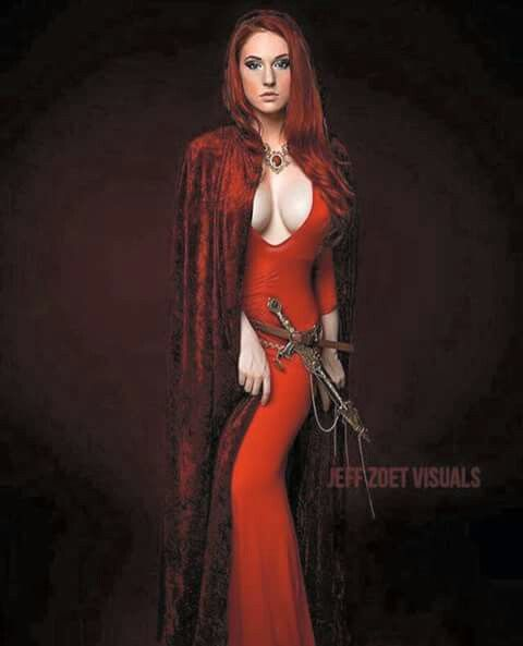 Melisandre Redwoman Gamesofthrones Cosplay by Claire Ana