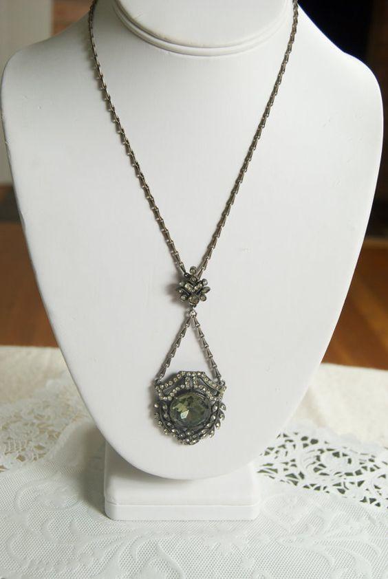 Fabulous Vintage ART Rhinestone Pendant Necklace
