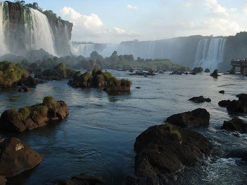 Triple fronteira entre Brasil, Paraguay e Argentina.