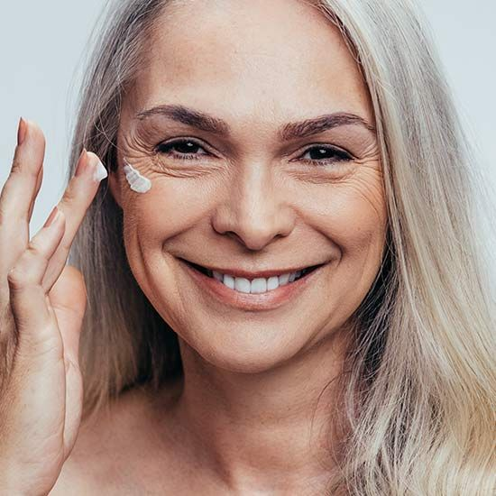 The Best Skin Care Routine For Aging Skin L Oreal Paris In 2020 Best Skin Care Routine Smooth Wrinkles Aging Skin