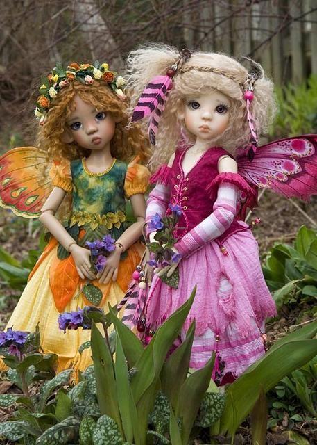 17 Layla in 'Mini Ruby' and Miki in 'Marigold Fairy'