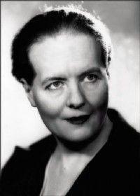Louise Weiss - 1893-1983 - Ecrivaine, journaliste, femme politique française - Activiste féministe suffragiste.