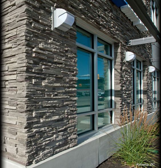Cultured stone black mountain pro fit alpine ledgestone for Exterior ledgestone