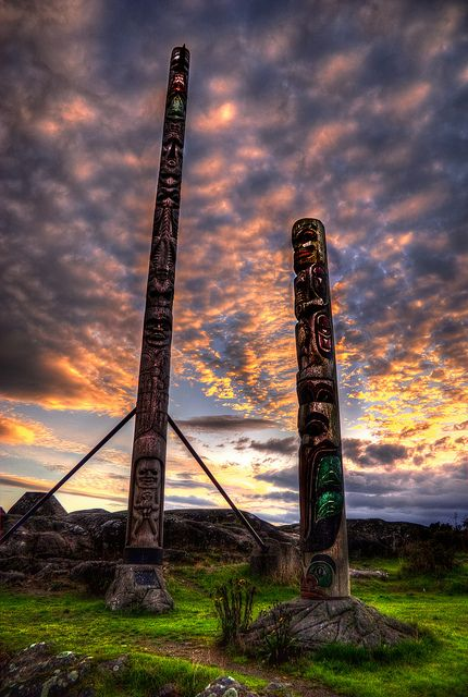 Songhees Totems, Victoria, BC, Canada | by Brandon Godfrey via Flickr:
