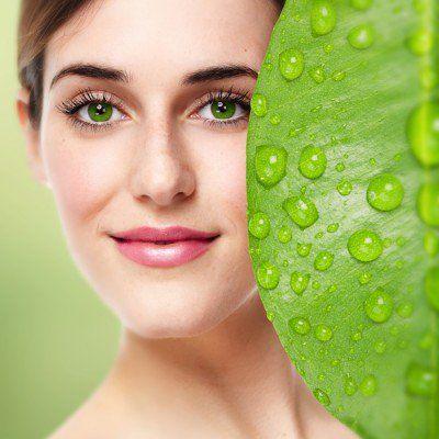 http://www.skinnymom.com/2014/01/08/5-staples-for-your-organic-makeup-counter/