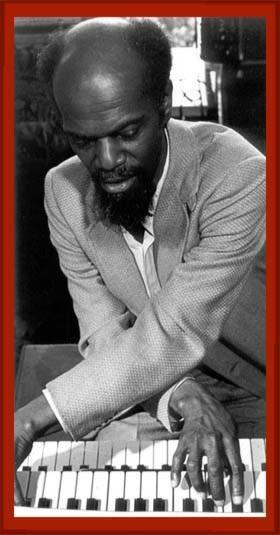 "Lou Bennett (18 de mayo de 1926, Philadelphia, Pennsylvania - 10 de febrero de 1997, Paris, France) fue un músico estadounidense de jazz que tocaba el órgano.  ""Tras una primera formación al estilo del trío de Nat King Cole, Lou Bennett influenciado por Wild Bill Davis, convirtió al órgano en su instrumento para toda la vida.""  http://en.wikipedia.org/wiki/Lou_Bennett  http://www.apoloybaco.com/loubennettbiografia.htm  http://www.allmusic.com/cg/amg.dll?p=amg=11%3Ajifyxqu5ld6e"