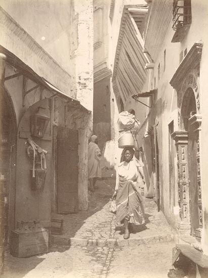 c.1880 - Old city street (Algiers, Algeria)