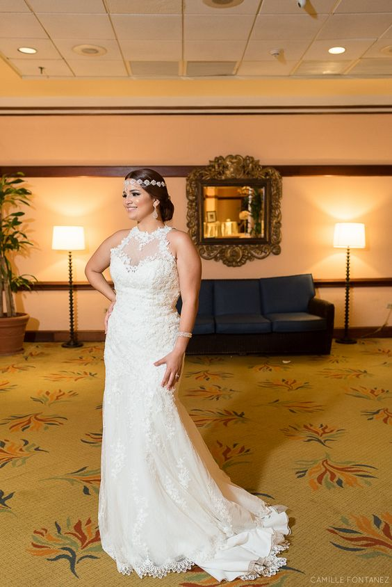 The bride changed her headpiece for the reception part.   • • •  Chic Wedding at Sheraton Hotel Old San Juan, Puerto Rico  See full wedding here: http://bit.ly/Nixida-Pablo