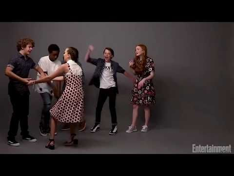 Stranger Things And It Cast Dancing Youtube Amor Platonico