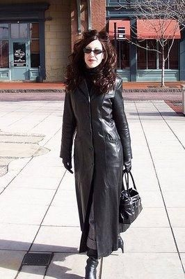 Woman in hot long leather coat | Fashion I really would wear