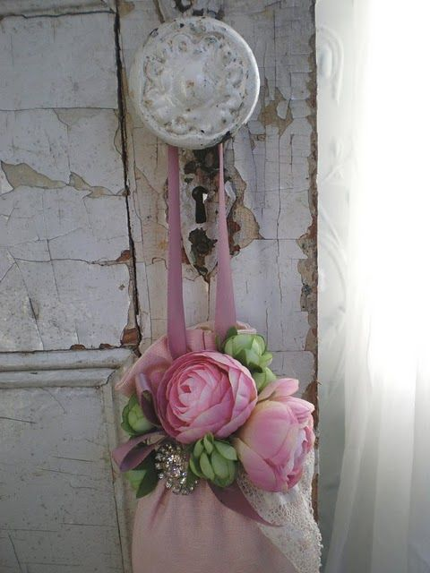 .: Pink Flower, Romantic Homes, Shabby Chic, Doorknob, Door Knobs, Shabby Rose, Rose Cottage, By Hangers