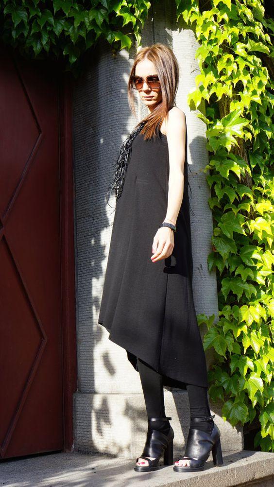 Maxi élégant noir robe Unique sophistiqué Extravagant robe parfaite pour différents événements, fêtes, dîners... Un tourneur tête définitive!!!  LE