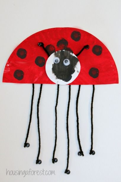 An easy ladybug craft for toddlers and preschoolers We are looking forward to spending hours in our back yard hunting for bugs. To help hurry along spring, we made these adorable paper plate ladybugs. There is something about ladybugs that … Continue reading →