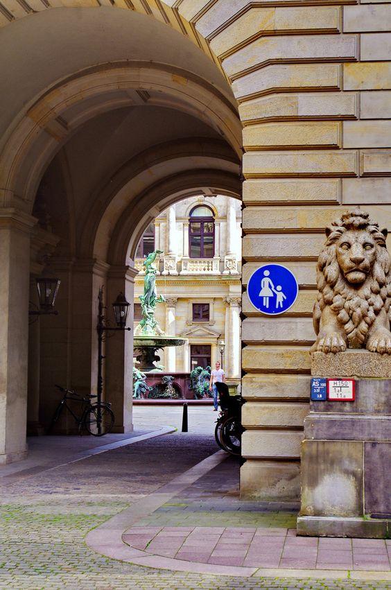 https://flic.kr/p/uGfz9c | Hambourg en Mai - 62 Rathaus - Hôtel de Ville
