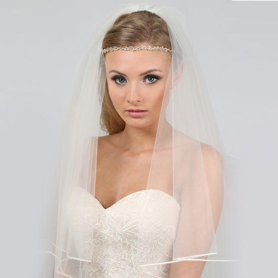 Hajpántok - La Femme Esküvői Ruhaszalon