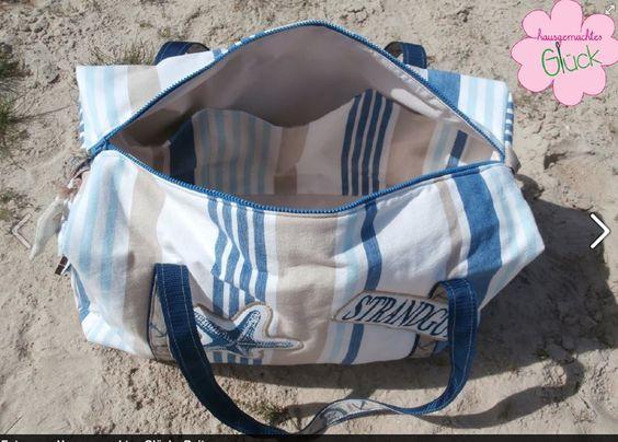 """""""Ich liebe meine Tasche, denn sie ist genauso geworden, wie ich es mir erhofft habe! <3 <3 <3 Genäht habe ich sie aus einer Tischdecke mit passenden Platzsets und einer Kissenhülle. Das Gurtband habe ich mit Schmuckband verschönert und die Schriftzüge appliziert!! Der Anker ist aus der Kissenhülle entstanden und mit dem Innenleben des Kissens gefüllt. Auch ich habe eine Innentasche mit kleinen Seitentaschen und einer Reißverschlusstasche genäht. """""""