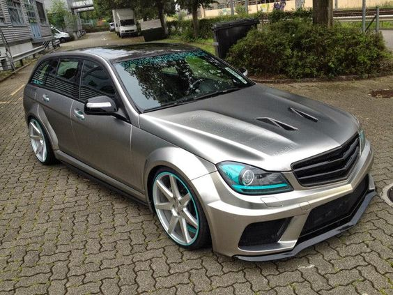 Mercedes benz e class schwarz und suche for Benz sport katalog