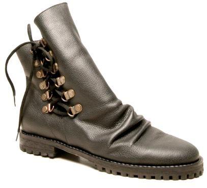 Bloc de Moda: Noticias sobre moda, fashion, diseño de autor, desfiles, zapatos, carteras: In her shoes: María Soulé y el look masculino