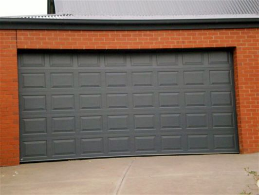 Pin By Karen Allport On Garages In 2020 Sectional Garage Doors Garage Doors Doors