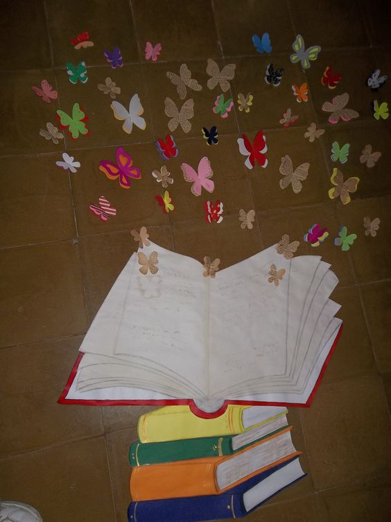 libro con mariposas
