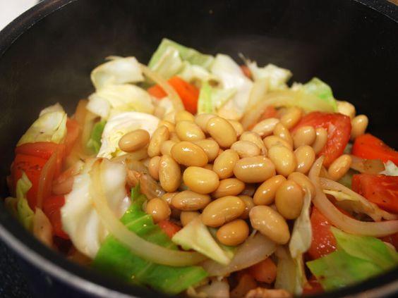 大豆とキャベツの料理