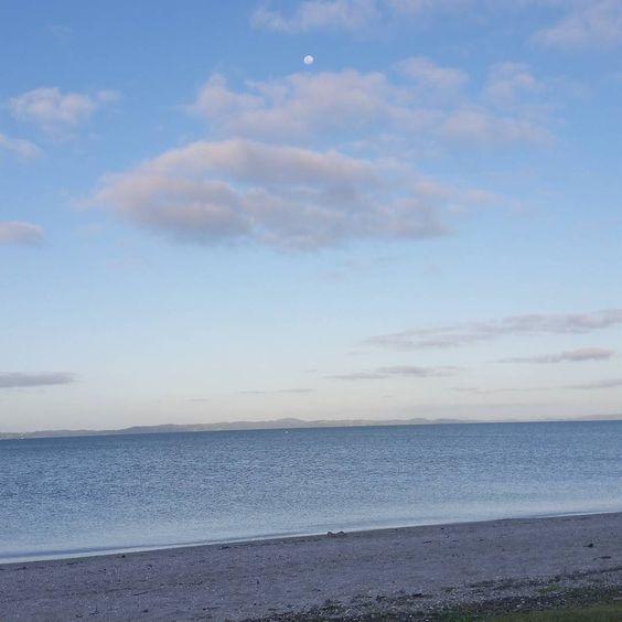 #nofilter #easternbeach #calm #ocean #moon by inthemomentoflife http://ift.tt/1JtS0vo