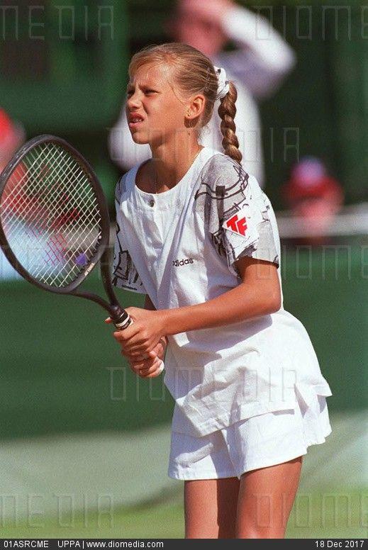Pin By Mark Mandelboym On Anna Kournikova Anna Kournikova Tennis Players Female Tennis Stars