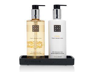 Exclusive Hotel Cosmetics | RITUALS | Hotel partnership-Washroom dispensers  We hebben een ruim aanbod van luxe handzepen en handlotions waarvoor we ook een stijlvolle houder kunnen leveren die aan de muur wordt bevestigd