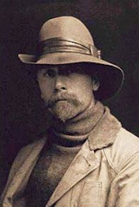 A young Edward S. Curtis (1868-1952). Click the image to read about his life. #art #biography #lifeofanartist #portraiture #westernart