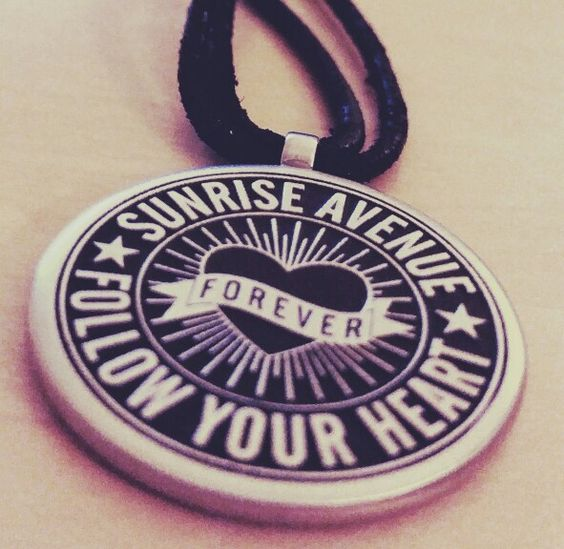 Forever Sunrise Avenue hab ich- ich auch bald....lg sly