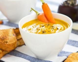 Velouté de carottes au lait de coco : http://www.fourchette-et-bikini.fr/recettes/recettes-minceur/veloute-de-carottes-au-lait-de-coco.html