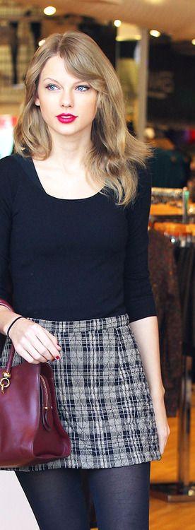 Log In Taylor Swift Street Style Taylor Swift Style Taylor Swift