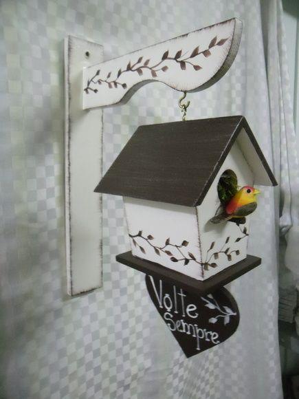 Hall de entrada em mdf e o passarinho pode mudar de cor. R$ 45,00