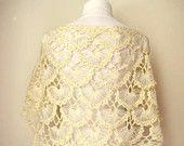 Crochet Bolero chal - marfil brillante, crudo, crema cálido mar Shell boda, Capelet nupcial, chimenea - regalo para ella