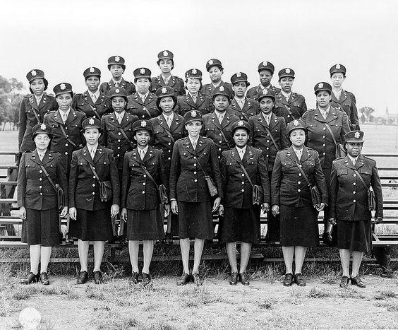 df20e8254a7bca3f2236e442005ed891 20 Patriotic Pictures of Black Women in the Military