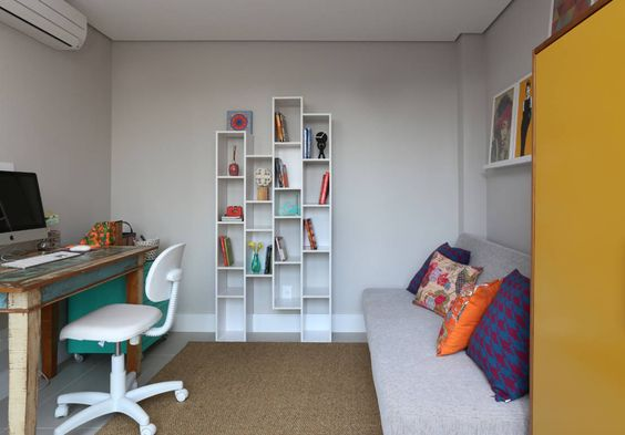 Modern study/office by MANDRIL ARQUITETURA E INTERIORES