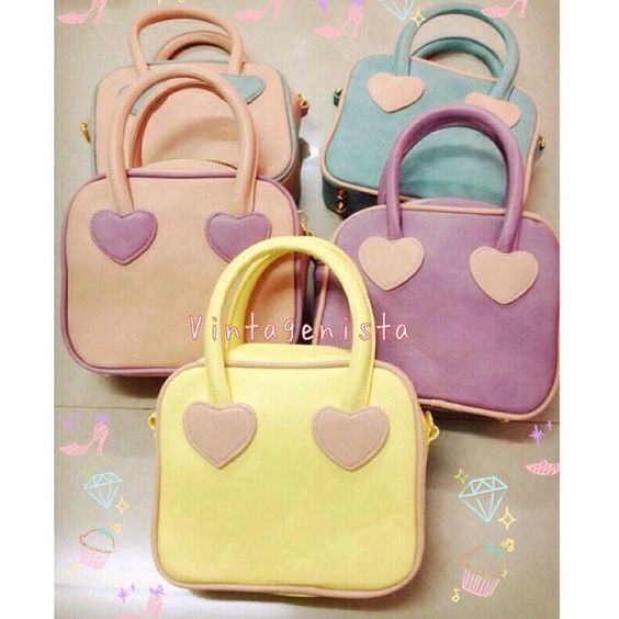 pastel, rectangle, heart-shaped bags CR: Vintagenista shop in instagram