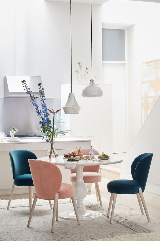 Best Casual Dining Room Ideas To Make Your Guests Feel Homey Decortrendy Dining Room Small Minimalist Dining Room Dining Room Sets Beautifully decorated small dining rooms