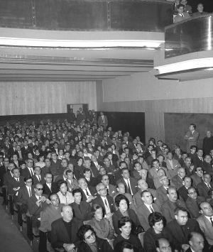 Patio de butacas del cine Fígaro de Madrid, en 1966. / EFE