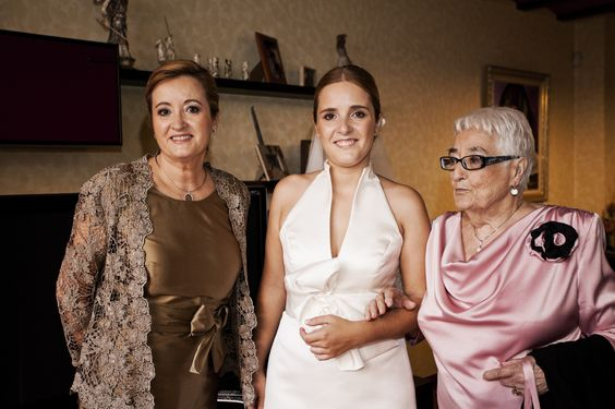 La abuela y madre de la novia
