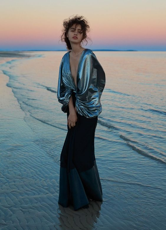 Aleyna Fitzgerald Captures Sylve Colless In Watery Colors For Harper's Bazaar Australia October 2017 http://www.anneofcarversville.com/style-photos/2017/9/14/9gshcxq61srrttx5t7fk5wqb92k3xr #fashioneditorials,