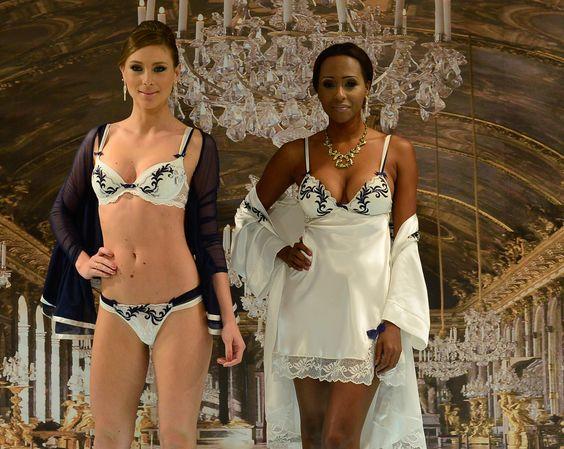 Desfile primavera/verão 2016 para seleto grupo, marcou o lançamento da nova coleção da Fruit de La Passion no showroom da marca. Confira na revista www.flashesefatos.com.br