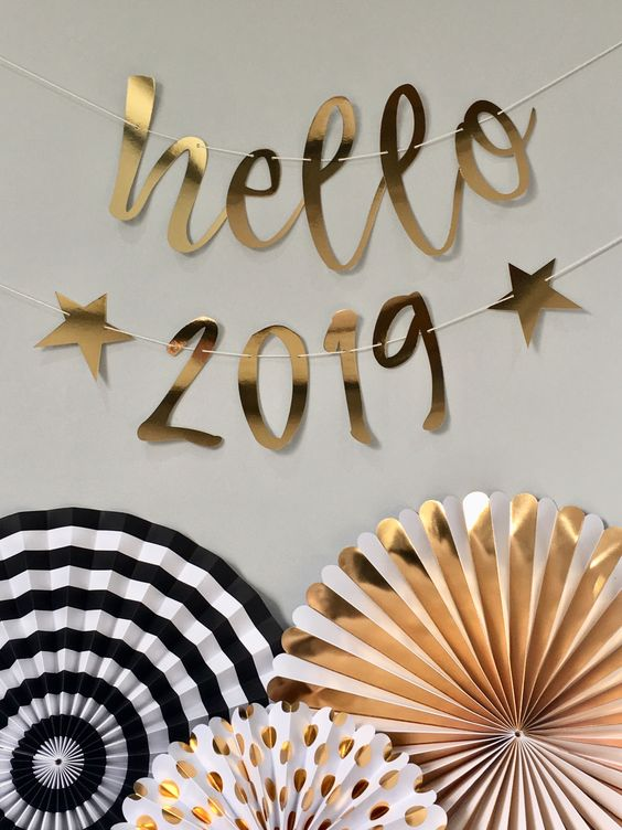 Hello 2019 New Year's Eve gold party decoration banner