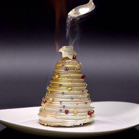 Feliz Navidad! Qué tal este #Omelette para esta nochebuena? Omelette Norvegienne…